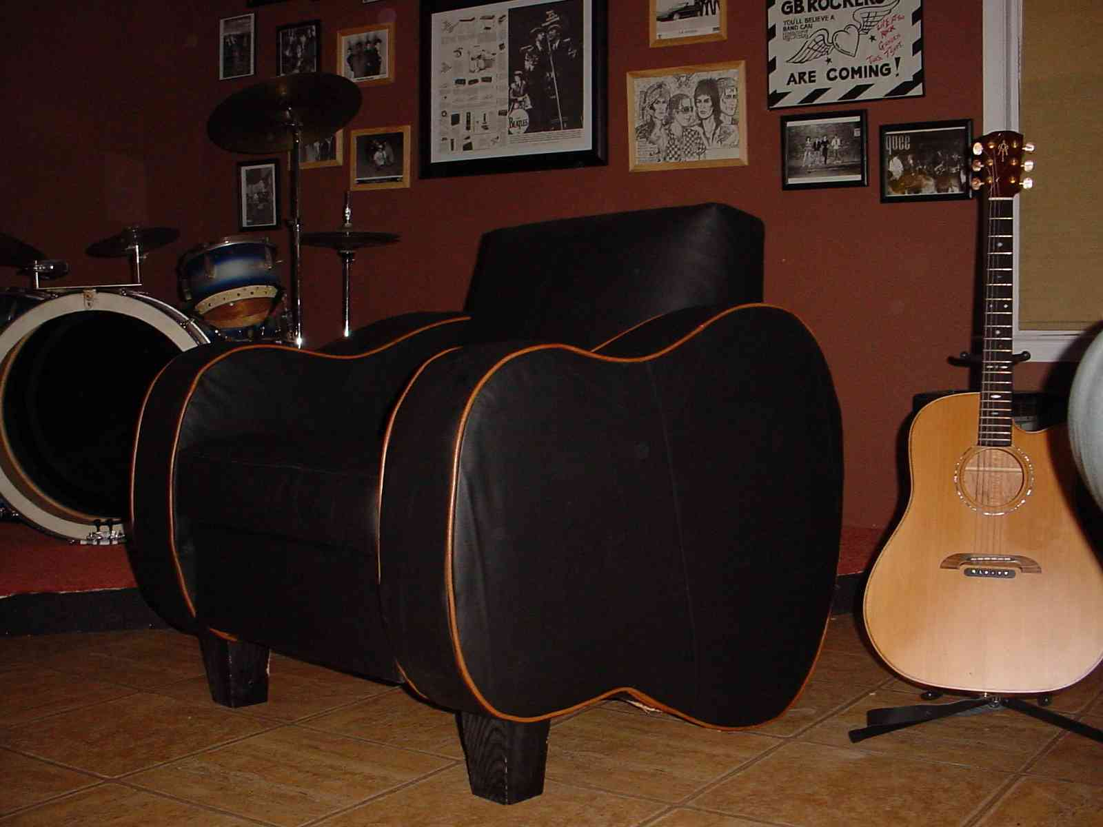 The Real Guitar Chair